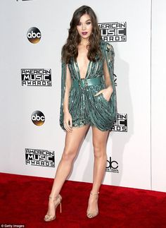 She's all grown up! Hailee Steinfeld,