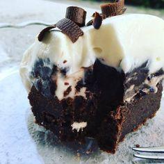 Mandulás hókifli, a megunhatatlan nasi :-) Snacks Dishes, Cheesecake Brownies, No Bake Treats, Cake Cookies, Healthy Snacks, Sweet Tooth, Food And Drink, Dessert Recipes, Sweets