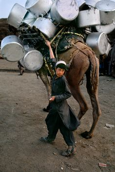 Kabul, Afghanistan/ Photography by Steve McCurry Religions Du Monde, Cultures Du Monde, World Cultures, We Are The World, People Around The World, Around The Worlds, National Geographic, Grand Trunk Road, Steve Mccurry Photos