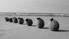 Vilt aan Zee           viltaanzee  maakt handgemaakte, witte lampen op maat van wol, verwerkt tot vilt.