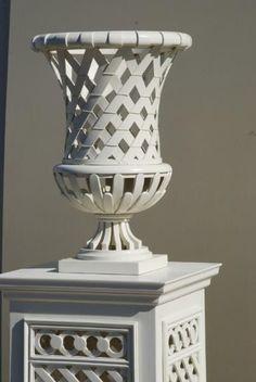 Elysee Garden Vase in White