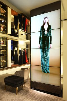 Gucci, new interactive flagshipstore in Milan  http://www.danielaschicchi.it/wp/wp-content/uploads/2012/06/b_2.jpg