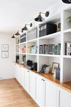 IKEA built-in hack for more living room storage These are the best IKEA built-in hacks that will save you money! Custom built-ins can cost a fortune, save money with these IKEA hacks. Office Built Ins, Office Bookshelves, Built In Bookcase, Ikea Hack Bookcase, Ikea Hack Storage, Bookshelf Styling, Ikea Shelves, Basement Built Ins, Home Office Shelves
