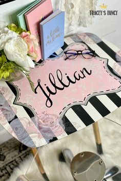 This custom painted and personalized TV tray is the perfect tween gift idea. Click over to the blog to see step-by-step how I chalk painted this wooden TV tray! Tracey Bellion Tracey's Fancy Tween Gifts Teen Gifts Teen Gift Guide Handmade Gifts DIY Gifts DIY Gift Ideas For Her Chalk Painted Furniture Black And White Stripes Black White Pink Chalk Paint Color Palette Hand Lettering Personalized Gifts DIY Painted Tv Trays, Wooden Tv Trays, Painted Armoire, Personalised Gifts Diy, Diy Gifts, Handmade Gifts, Paint Color Palettes, Chalk Paint Colors, Black Painted Furniture