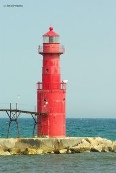 Algoma Pierhead Lighthouse Algoma, Wisconsin - 1932