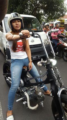 #street cub Honda Cub, Custom Moped, Custom Bikes, Moto Bike, Cruiser Motorcycle, Lady Biker, Biker Girl, Honda Bikes, Motorized Bicycle