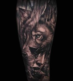tatouage avant bras, dessin entier en encre, tatouage à motifs femme loup modèle pour homme et femme