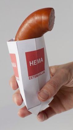 HEMA rookworst, The first fast food ever available in The Netherlands. Still for sale @ HEMA and very tasty! (HEMA is the store that sells them) Leiden, Rotterdam, Sweet Memories, Childhood Memories, Typical Dutch Food, Dutch People, Going Dutch, Dutch Recipes, Snacks Für Party