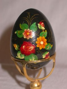 UKRANIAN RUSSIAN HAND PAINTED LACQUER WOODEN EGG with STAND, BLACK with FLOWERS