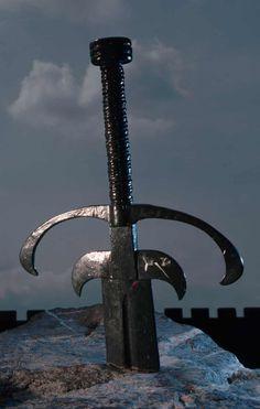 Top 10 Welsh myths, such as the legendary King Arthur's sword embedded in stone. Roi Arthur, King Arthur, Mists Of Avalon, Welsh Language, Legend Of King, Celtic Mythology, England, Snowdonia, Cymru