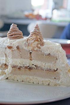 Gâteau Mont-Blanc. Meringue, Mascarpone, Mousse Cake.