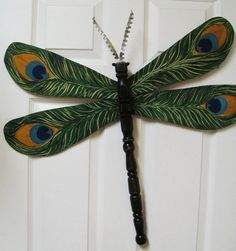 Table Leg Dragonfly Wall or Garden Art- Peacock Feather, Green, Teal, black Animal Print Spindle Crafts, Wood Crafts, Diy Crafts, Dragonfly Art, Butterfly Art, Butterflies, Diy Craft Projects, Projects To Try, Dragon Fly Craft