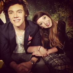 I wanna go see their wax figures! I think Zoe and Harry would actually make a good couple in real life! And yes, I know this is his wax figure...