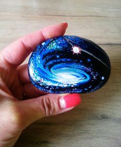 Pebble Painting, Dot Painting, Pebble Art, Stone Painting, Painted Rocks Craft, Hand Painted Rocks, Painted Pebbles, Painted Stones, Galaxy Painting