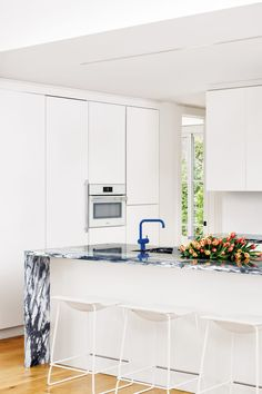 navy veined marble kitchen counters