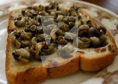 download zeeuwse beelden via DNAbeeldbank krukels-krentebrood-pasen-traditie-paasontbijt-alikruik-eten-Zeeuws-zilte-zaligheden
