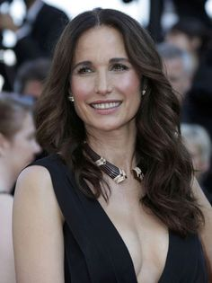 Cannes, Andie MacDowell, 54 years old...
