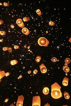 Thailand, Lanterns by (Simon Paris)