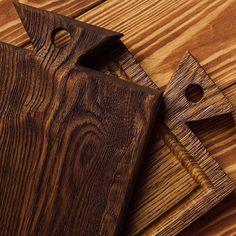 Добрый день 😃 решили не много рассказать о наших новых досках с так называемым эффектом браширования , этот процесс заключается в том что мы специальной щёткой снимаем мягкие верхние волокна  древесины , после чего остаеться такая выраженная текстура дерева 🌳затем мы наносим наше масло что даёт дополнительный эффект нашей доске и получаеться такая красота 😍 такая досочка отлично подойдёт для подачи , а другая сторона для нарезки 🔪всем приятного аппетита  Yummery - best recipes. Follow…