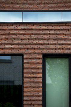 Metal Facade, Brick Facade, Brick Columns, Brick Molding, Modern Exterior, Exterior Design, Interior And Exterior, Modern Architecture House, Modern Buildings