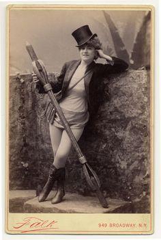 1890s burlesque dancer
