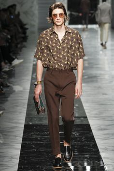 See the complete Fendi Spring 2018 Menswear collection.