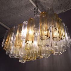 Venini chandelier by Tony Zucherri, white and clear yellow glasses. Italy 1970  Lustre Venini par Tony Zuccheri, Italie 1970
