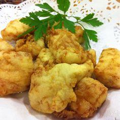 mero al limon Hispanic Kitchen, Spanish Food, Spanish Recipes, Cauliflower, Salmon, Healthy Recipes, Healthy Meals, Healthy Eating, Tasty