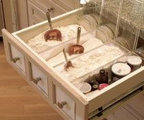 I would love to have a baking drawer like this instead of baking containers on the counter! Genius
