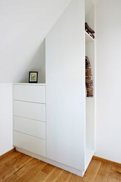 small closet design in asymmetric shape of Small Closet Organizers: Small Storage Solution for Apartment-Sized Houses - Decohoms - Small Closet Design, Attic Design, Interior Design, Ikea Design, Simple Interior, Closet Designs, Attic Rooms, Attic Spaces, Small Spaces