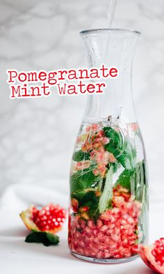 Infused Water Recipes 43195 This Pomegranate Mint Water recipe is quick to whip up and so refreshing. Fruit infused water is so hydrating and the perfect healthy drink idea for after heavy holiday meals. Infused Water Recipes, Fruit Infused Water, Infused Waters, Healthy Detox, Healthy Drinks, Easy Detox, Healthy Water, Healthy Food, Nutrition Drinks