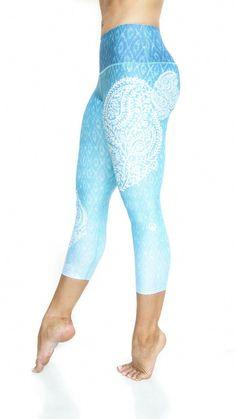 806e2202846fa Girls In Leggings, Capri Leggings, Yoga Leggings, Yoga Pants, Mean Girls  Outfits