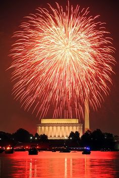 July 4th Fireworks in Washington, DC. By Ian Livingston