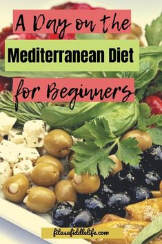 Wondering what a day on the Mediterranean Diet would look like? Take a look at - Wondering what a day on the Mediterranean Diet would look like? Take a look at 1200 calories. Mederteranian Diet, Med Diet, Diet And Nutrition, Nutrition Education, 1200 Calories, 1200 Calorie Diet, Very Low Calorie Diet, Mediteranian Diet Recipes, Diet Food To Lose Weight