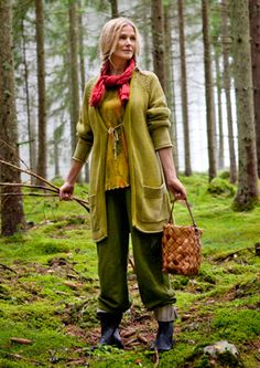 This is pretty much what I wear when I go mushroom picking. It's good mushrooming etiquette to carry the harvested mushrooms in a basket, so the spores drop on the forest floor and repopulate while you hike.  #mushrooms #foraging