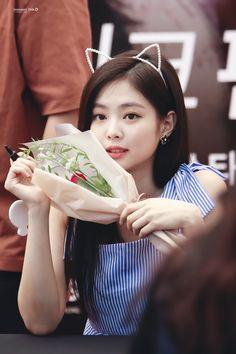 Kim Jennie, South Korean Girls, Korean Girl Groups, Rapper, Black Pink Kpop, Blackpink Photos, Blackpink Jisoo, Celebs, Celebrities