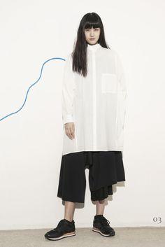 Fashion Tips And Tricks Plus Size Ys by Yohji Yamamoto Ready To Wear Pre Fall 2015 Monochrome Fashion, Minimal Fashion, Live Fashion, Fashion Fashion, Latest Fashion, Fashion Tips, Jumpsuit Pattern, Japanese Fashion, Apparel Design