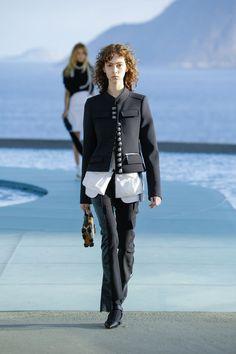 Nice Louis Vuitton: Nicolas Ghesquière apresenta coleção nada literal sobre o Brasil Fashion Check more at http://fashionie.top/pin/20274/