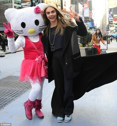 I Spent More Than A Year Dressing As Hello Kitty In Times Square, And It Was Surreal  Read more: http://www.businessinsider.com/joana-toros-photos-of-times-squares-costumed-characters-2014-3?op=1#ixzz2vG2yVgvz