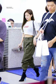 Blackpink Jennie The boots omg Kpop Fashion Outfits, Blackpink Fashion, Korean Outfits, Asian Fashion, Casual Outfits, Cute Outfits, Korean Airport Fashion, Ropa Hip Hop, Kpop Mode