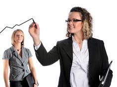 """Estão abertas as inscrições para o """"10.000 Women"""", programa global de capacitação feminina em negócios e gestão. Patrocinado pelo banco americano Goldman Sachs, o programa é coordenado no Brasil pela Fundação Dom Cabral (RJ e BH), e pela Fundação Getulio Vargas (SP)."""