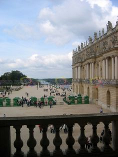 This is available on MediaShow!ro, size of MB, id MediaShow!ro is a huge collection of amazing, interesting and/or funny items. Versailles Garden, Paris Skyline, Dolores Park, Gardens, Amazing, Travel, Viajes, Outdoor Gardens, Traveling