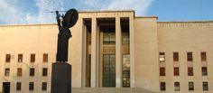 La Sapienza, il direttore è senza laurea  Imputato e pensionato, prende 200 mila euro