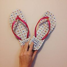 Havaianas Sandals - Size 7/8W - Pink and White Barely worn Havaianas flip flops/sandals size 7/8. Pink straps, white sandals. Cute gold crowns and pink/purple stars all over. Havaianas Shoes Sandals