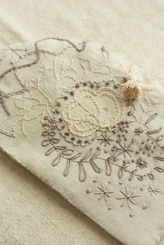 linen embroidery tea cozy by mellow_stuff, via Flickr  http://www.mellow-stuff.com