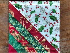 Quilted Christmas Mug Rug, Drink Mat, Candle Mat, Snack Mat. Reverse to Holly fabric, Home Christmas Mug Rugs, Christmas Patchwork, Christmas Quilt Patterns, Christmas Coasters, Christmas Sewing, Christmas Projects, Green Christmas, Xmas, Quilting Projects