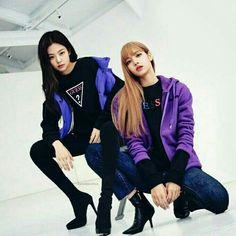 Kpop Fashion Outfits, Blackpink Fashion, Korean Fashion, Girls Generation, K Pop, Yg Entertainment, Jennie Kim Blackpink, Blackpink Photos, Pose