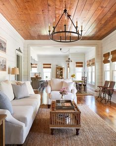 Sara – cozy home warm Cottage Living Rooms, Home Living Room, Living Room Decor, Living Spaces, Dog Spaces, Farmhouse Design, Farmhouse Decor, Modern Farmhouse, Farmhouse Style