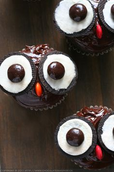 Adorable Owl Cupcakes - made with Oreo's & M&M's