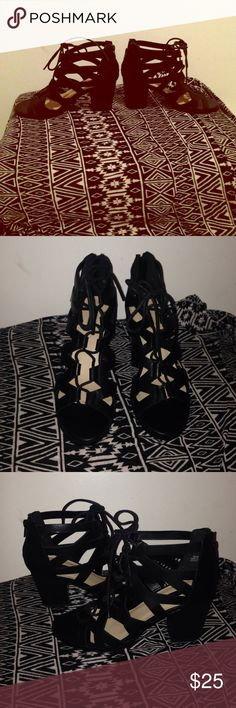 Forever 21 Wedges 👠 *Like New *Only Worn Ones *No Damages *Size stick still on bottom *Super Cute ❤️️🌸❤️️Make Me An Offer❤️️🌸❤️️ Forever 21 Shoes Wedges
